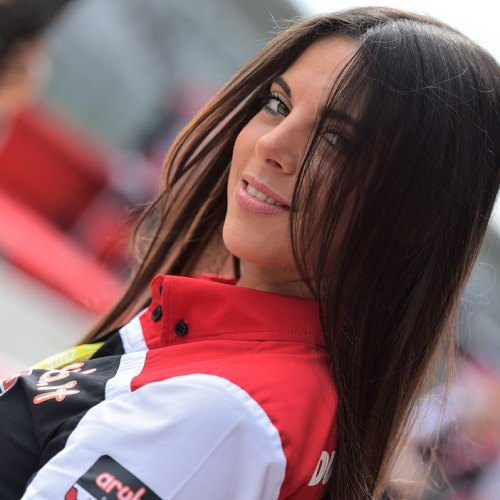 0787_R05_Ducati_girl