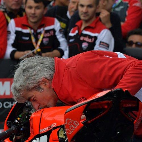 1026_R05_Ducati_finish