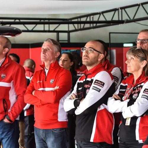1328_R05_Ducati_finish