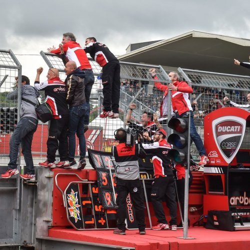 1338_R05_Ducati_finish