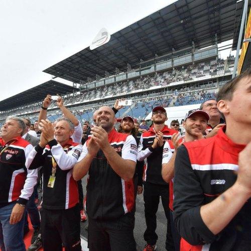 0654_R10_Ducati_finish