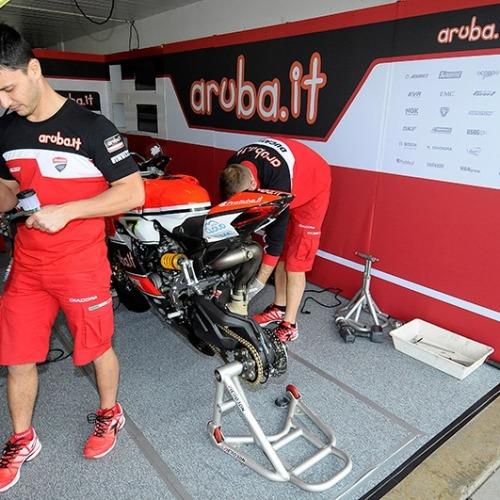 082_T04_Ducati_box
