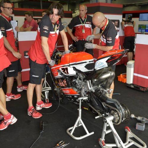 0464_P02_Ducati_box