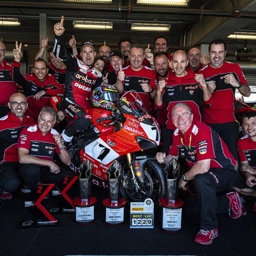 TEAM - Chaz Davies (Aruba.it Racing - Ducati #7)